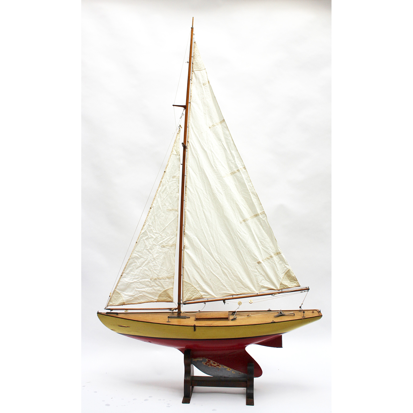 36 inch restricted class model pond yacht