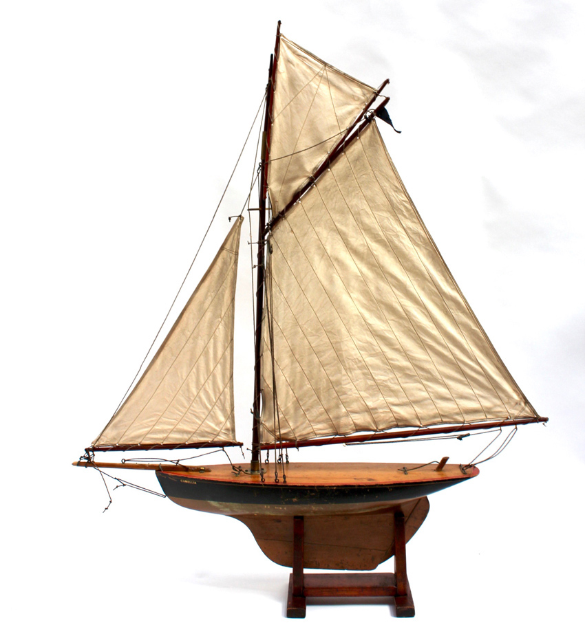 Edwardian model Pondyacht